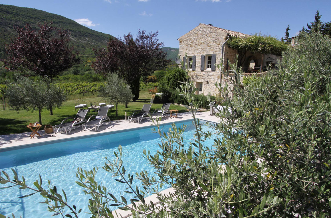 GBed and breakfast, guest house with swimming pool